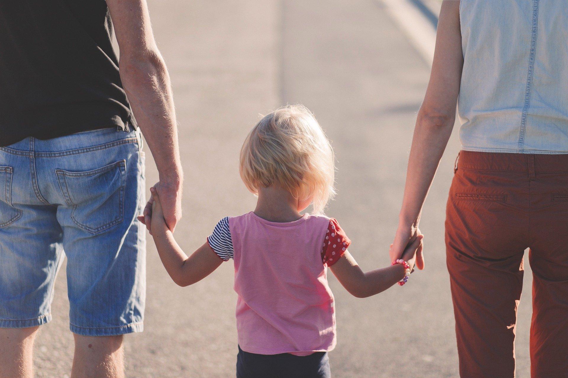 eltern burnout affection parents beach - Resilienz ist eine Frage der ausreichenden Erholung